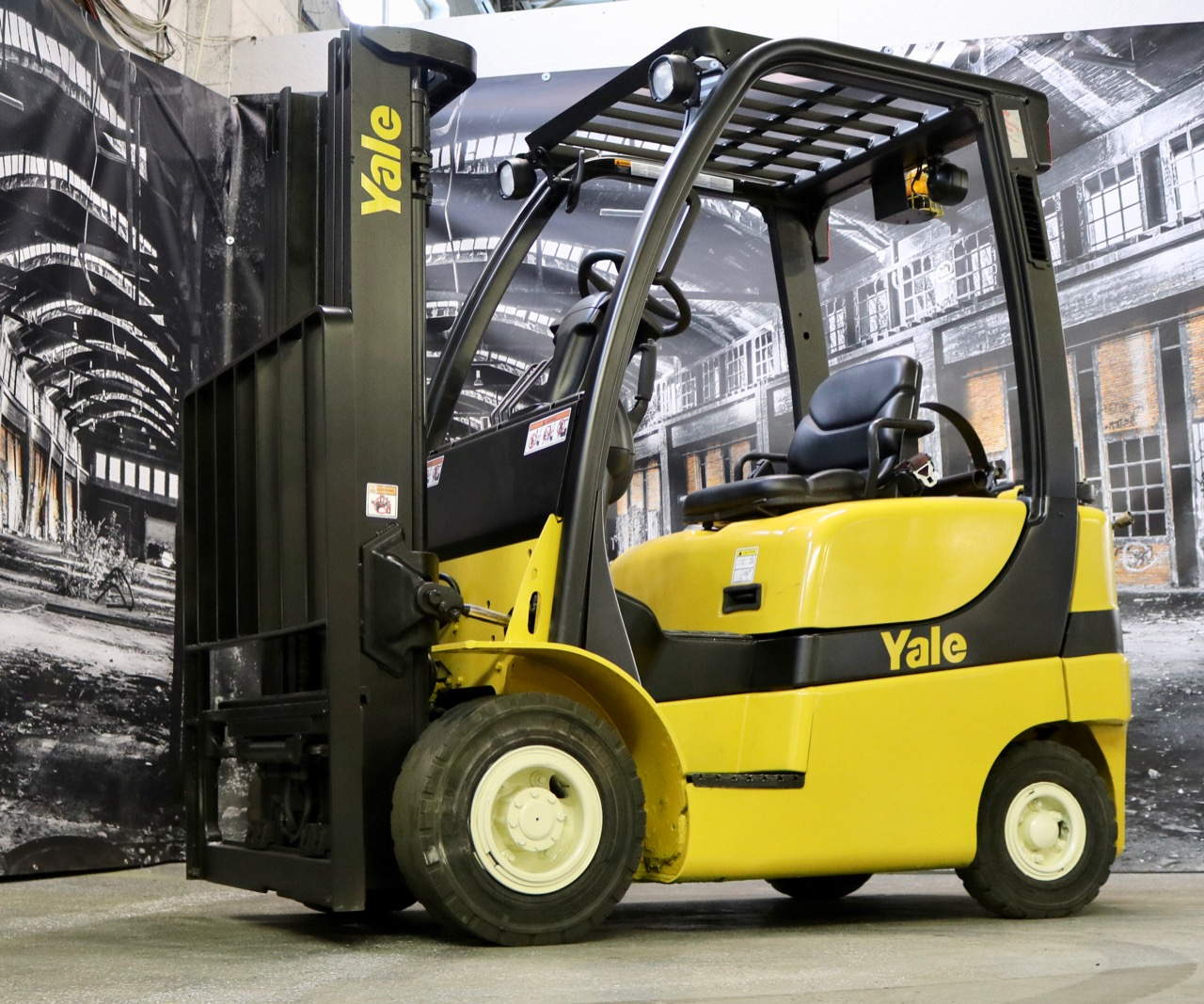 Similar Used Equipment - 2011 Yale GLP040SVX