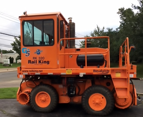 2012 Rail King RK320 G5 Image