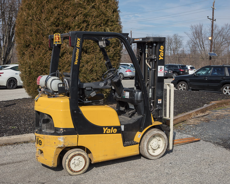 Similar Used Equipment - 2009 Yale GLC050VXNVSE083