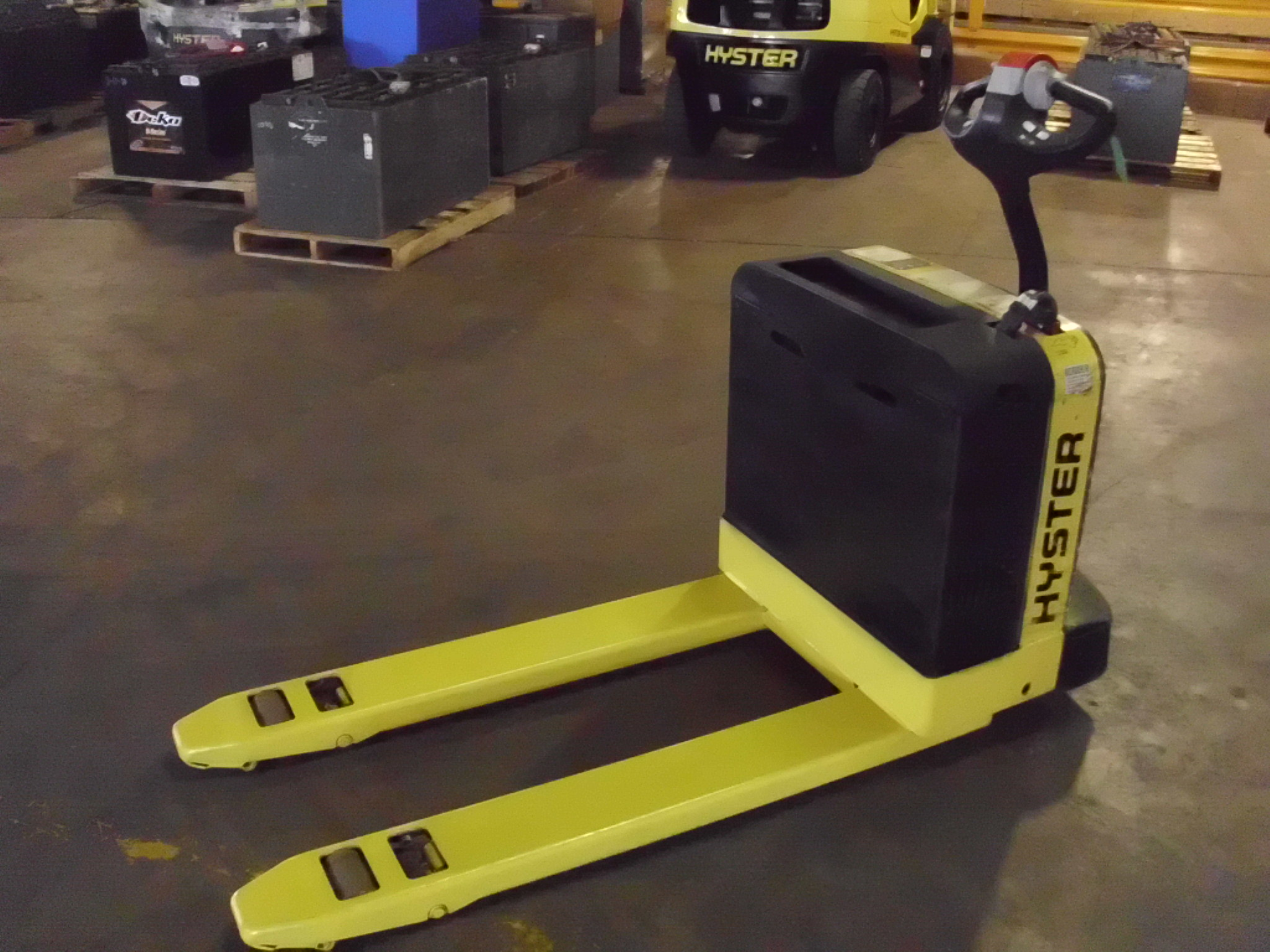 Similar Used Equipment - 2014 Hyster W40Z