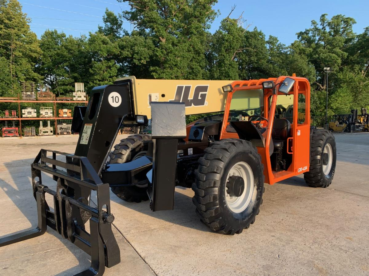 Similar Used Equipment - 2014 JLG G10-43A