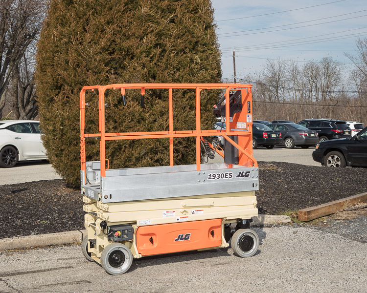 Similar Used Equipment - 2005 JLG 1930ES