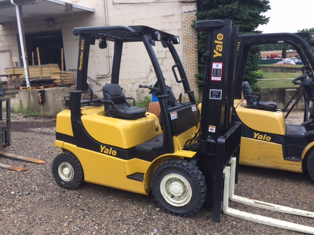 Similar Used Equipment - 2009 Yale GLP040VXNVRE086