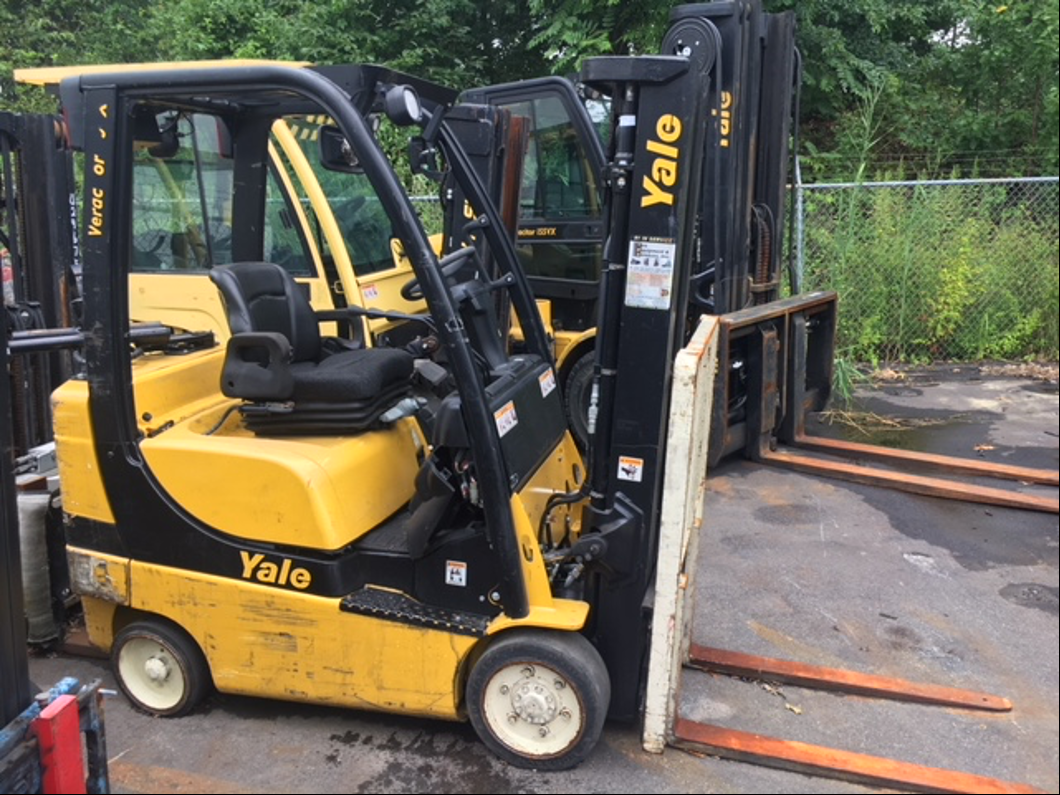 Similar Used Equipment - 2011 Yale GLC040SVXNURE082
