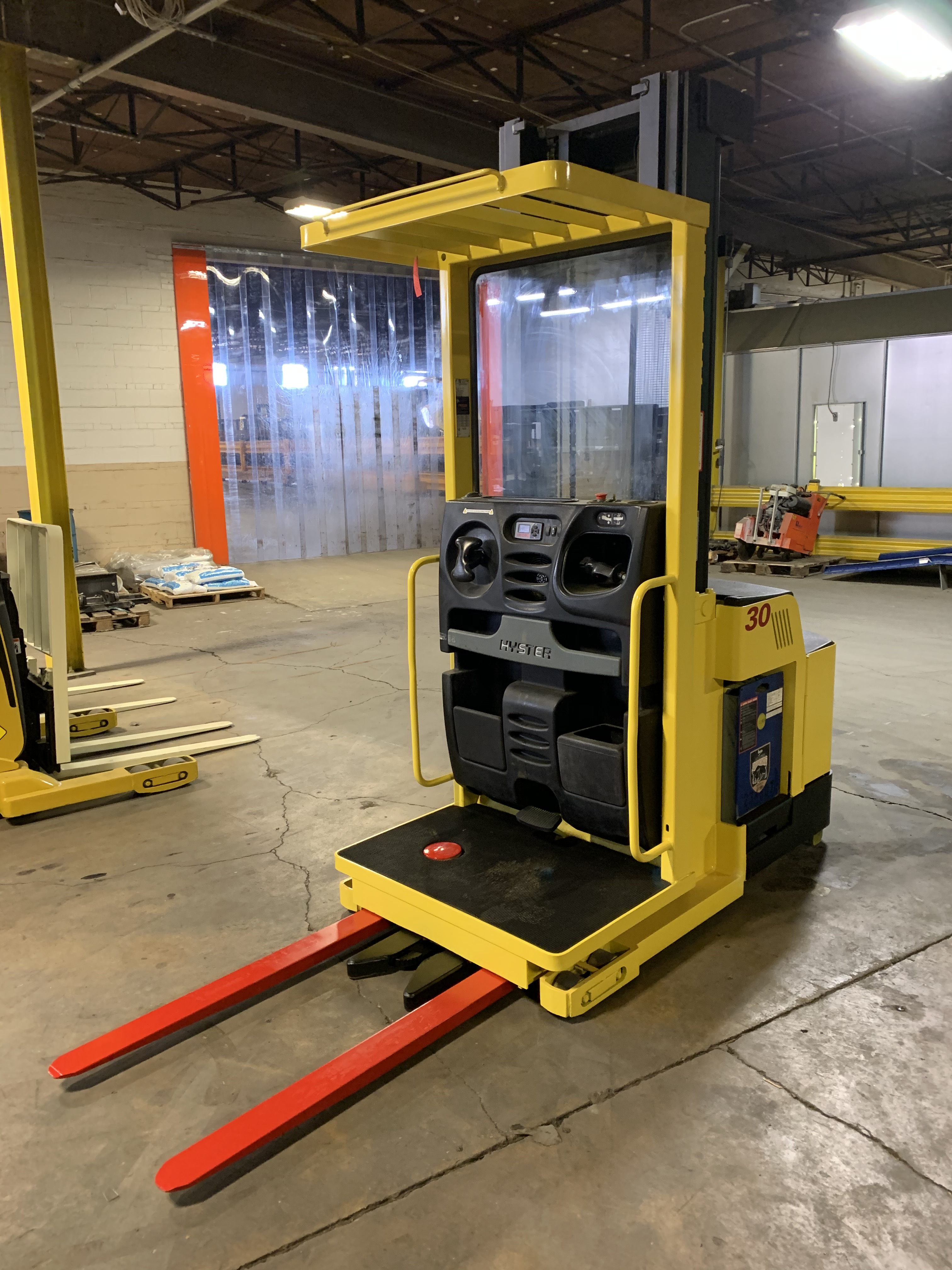 Similar Used Equipment - 2013 Hyster R30XMS3