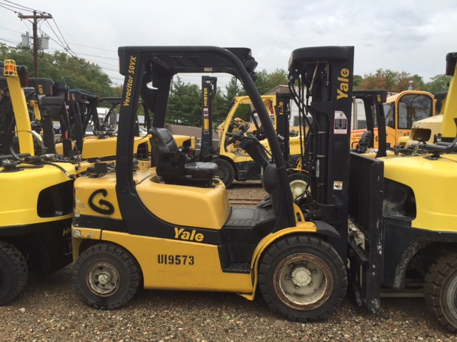 Similar Used Equipment - 2011 Yale GLP040VXNUSQ084