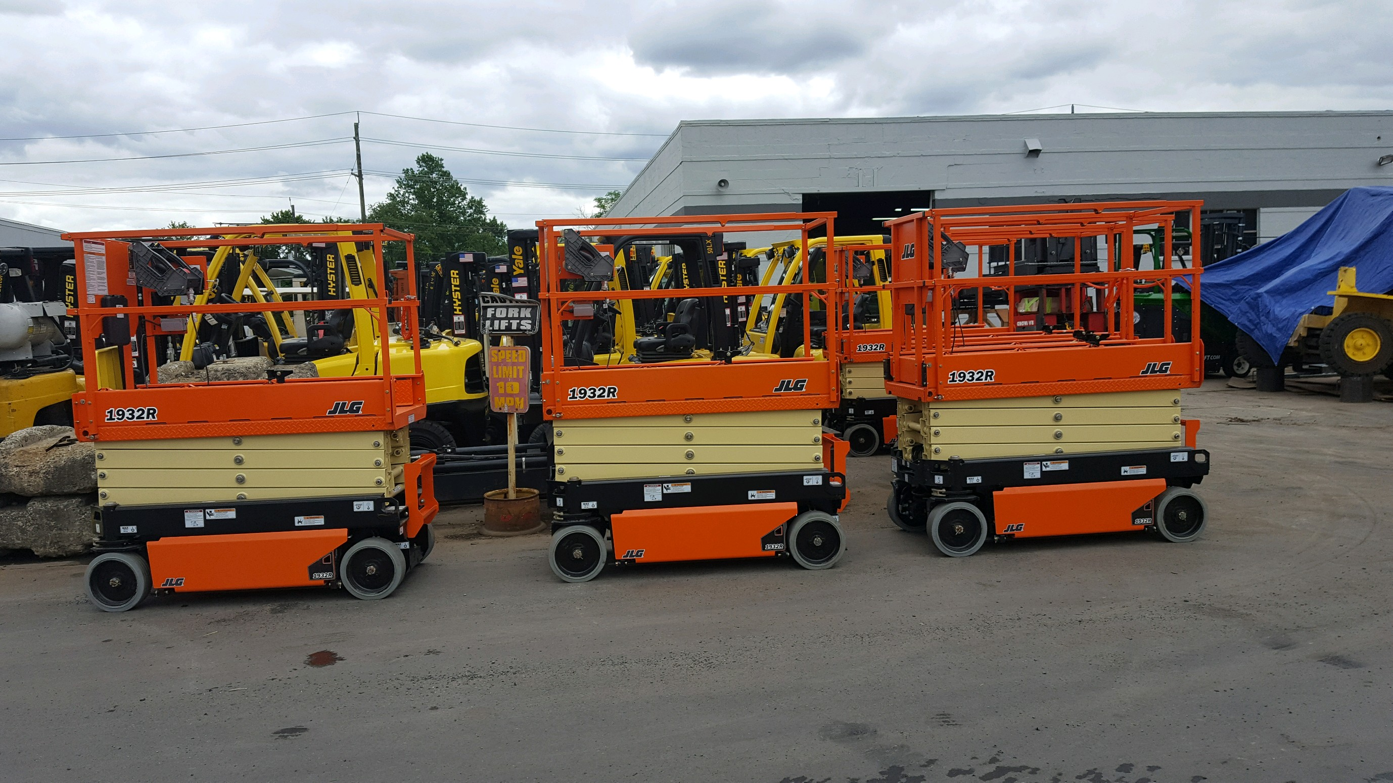 Similar Used Equipment - 2016 JLg 1932R
