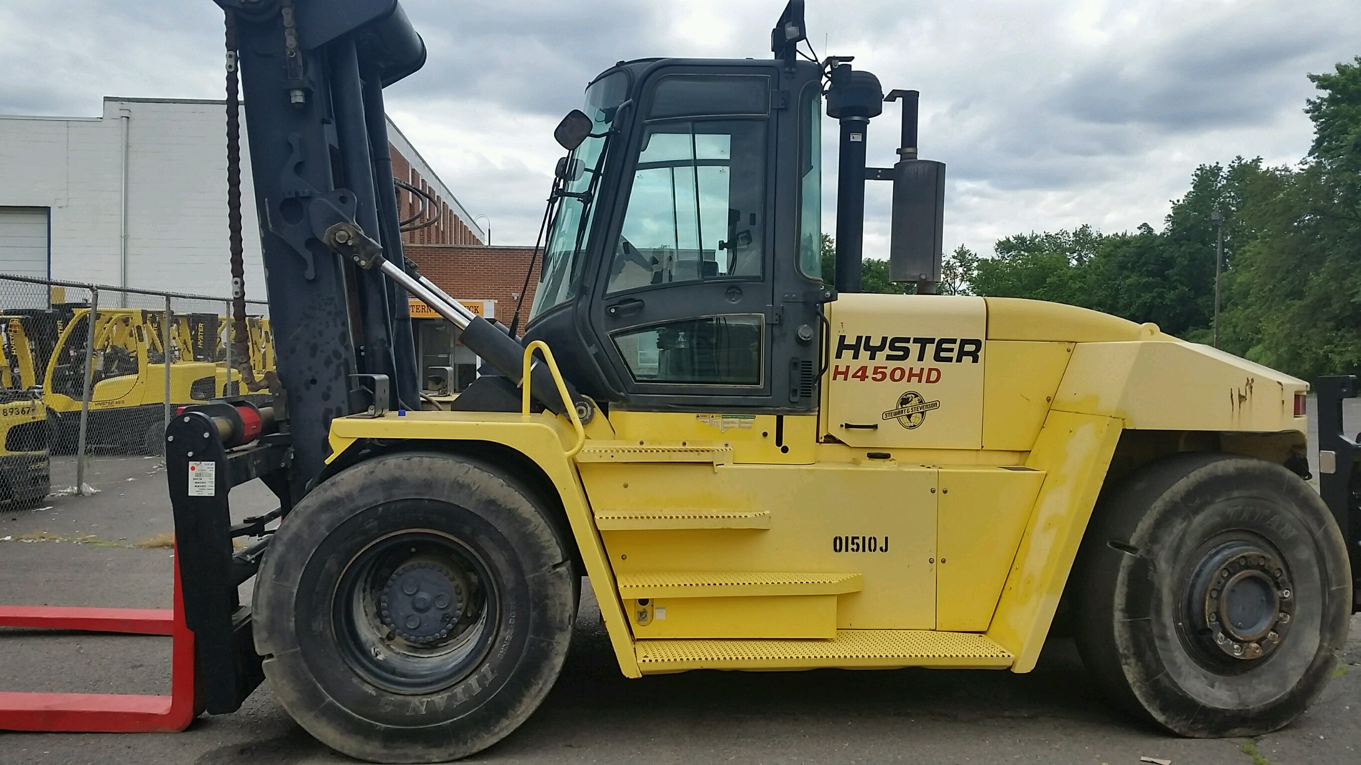Similar Used Equipment - 2011 Hyster H450HD