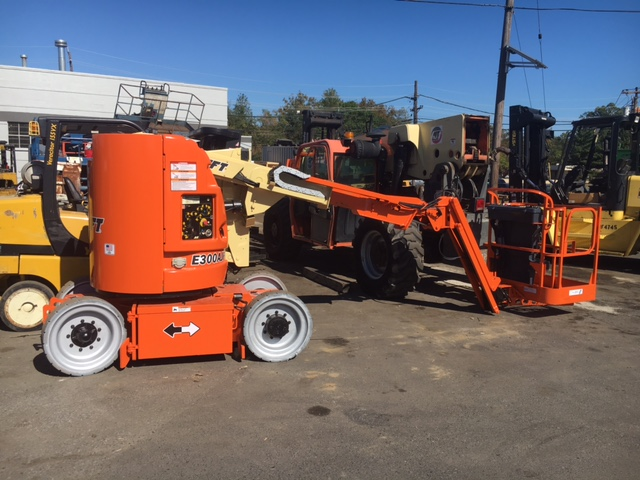 Similar Used Equipment - 2014 JLG E300AJP