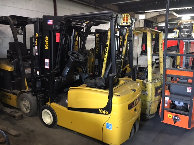 Similar Used Equipment - 2013 Yale ERP040